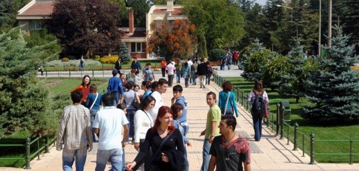 Devlet'te 17, Vakıf'ta 2 üniversite doldu