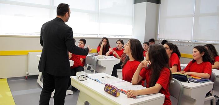 Özel okul öğretmeni
